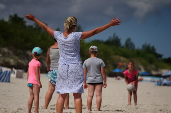 beach games with kids