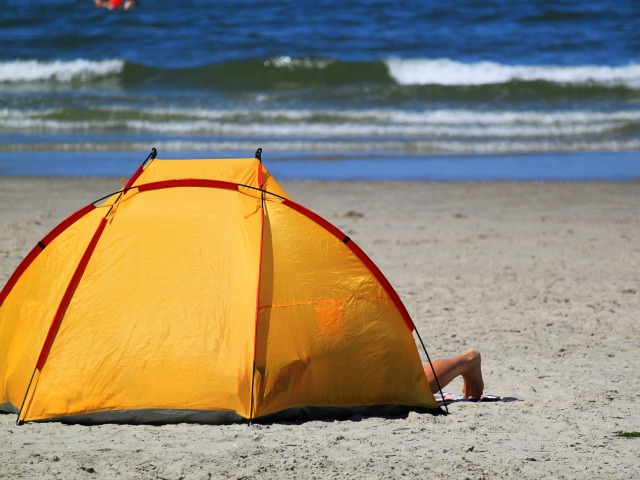 Best Beach Tent And Uv Sun Shelters For Kids Babies And Families Get Kids Outside